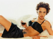 Angelina Jolie HQ wallpapers C7dc7f107975878