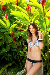 249d2d171386151 Fabiana Semprebom   Despi SS2011 swimwear