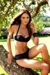aed129171386397 Fabiana Semprebom   Despi SS2011 swimwear