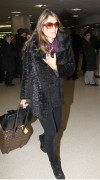 Элизабет Харли, фото 2317. Elizabeth Hurley arriving to Newark Airport in New Jersey, January 23, foto 2317